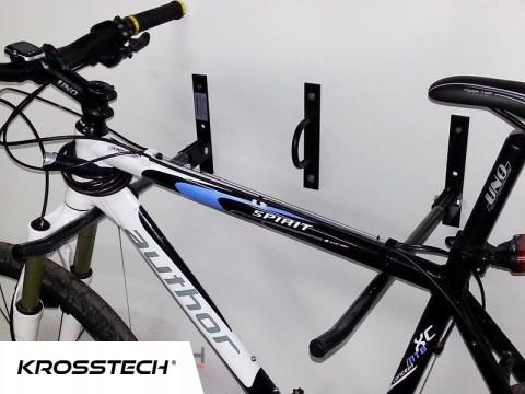 Wieszak na 2 rowery czarny 50cm z koluchem