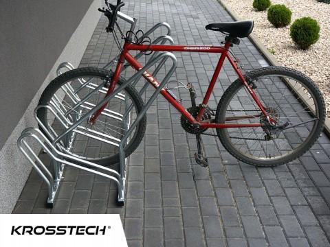 Stojak na rowery CROSS-5 z barierką